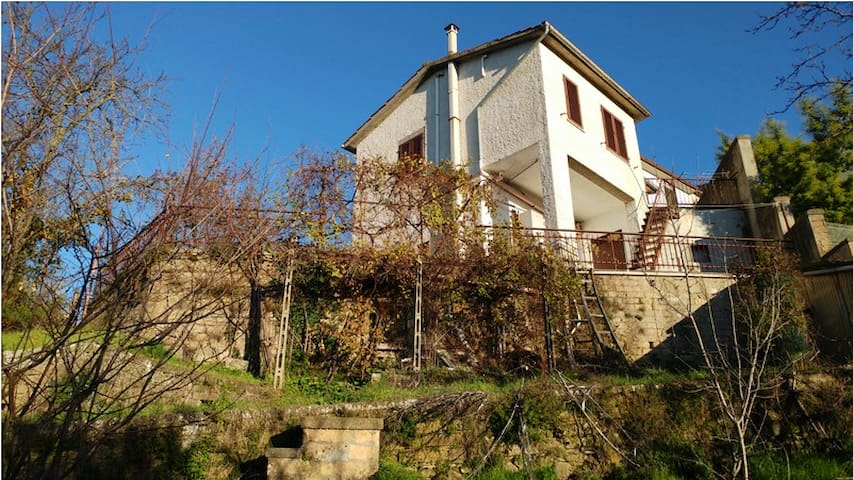 Olga's country home,on the slopes of Mount Amiata - Castel del Piano - Ev