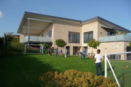Modern large villa outside Aarhus - Hinnerup - 단독주택