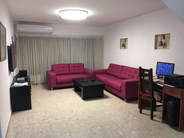 NIce Room next Ben Gurion Airport