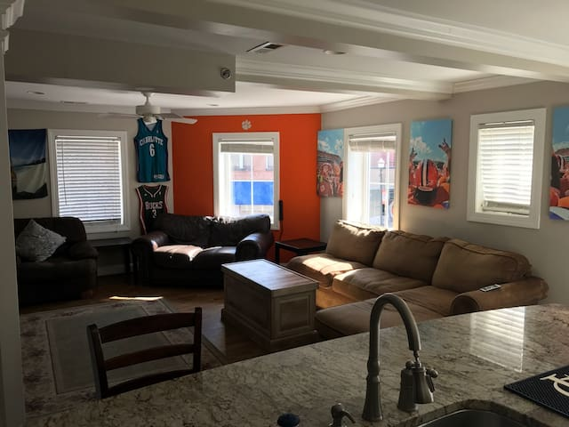 Ultimate Game Day Location, Clemson Football APT - Clemson - Leilighet