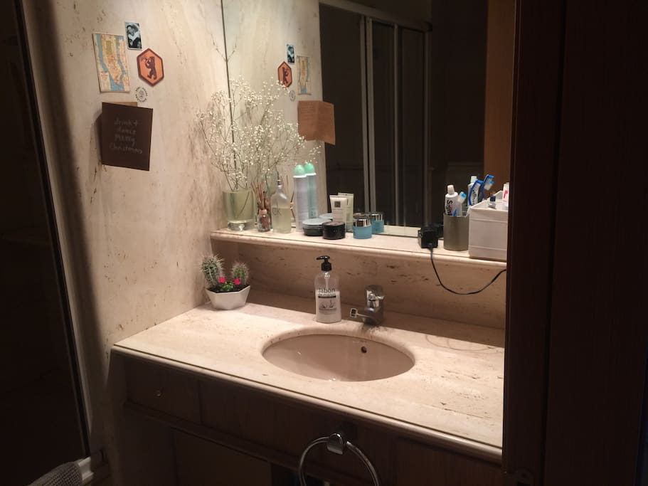 Great bathroom with everything you need for a great end to the day