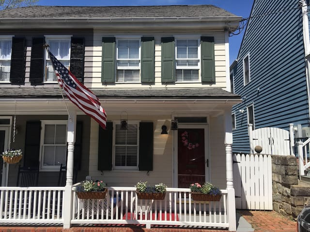 Historic Home in the Heart of Downtown Annapolis - Annapolis - Dom