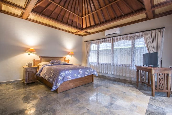 1BR Fancy Villa with Kitchen & public pool at Ubud