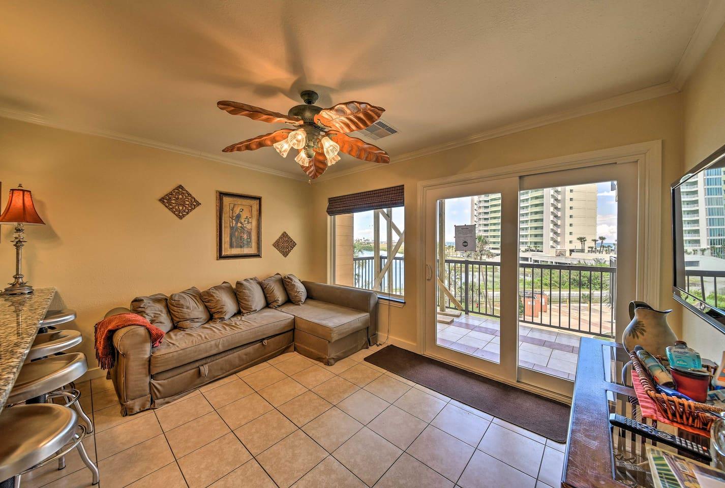NEW! Cozy Galveston Condo 5 Mins to Moody Gardens! - Condominiums ...