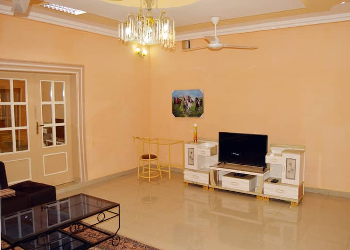 Excellent villa in Pissy