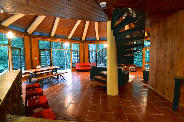 Daintree Cascades The Roundhouse - Daintree - บ้าน