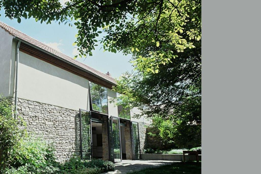 wohnen in der alten scheune h user zur miete in volkach bayern deutschland. Black Bedroom Furniture Sets. Home Design Ideas