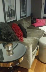 Luxury Bedroom& Bathroom - eaglemont
