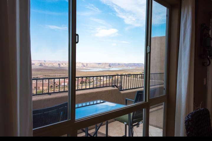 Dining room views of Lake Powell