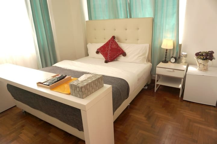 (R)Cozy room with Private Bathroom/3mins  MRT