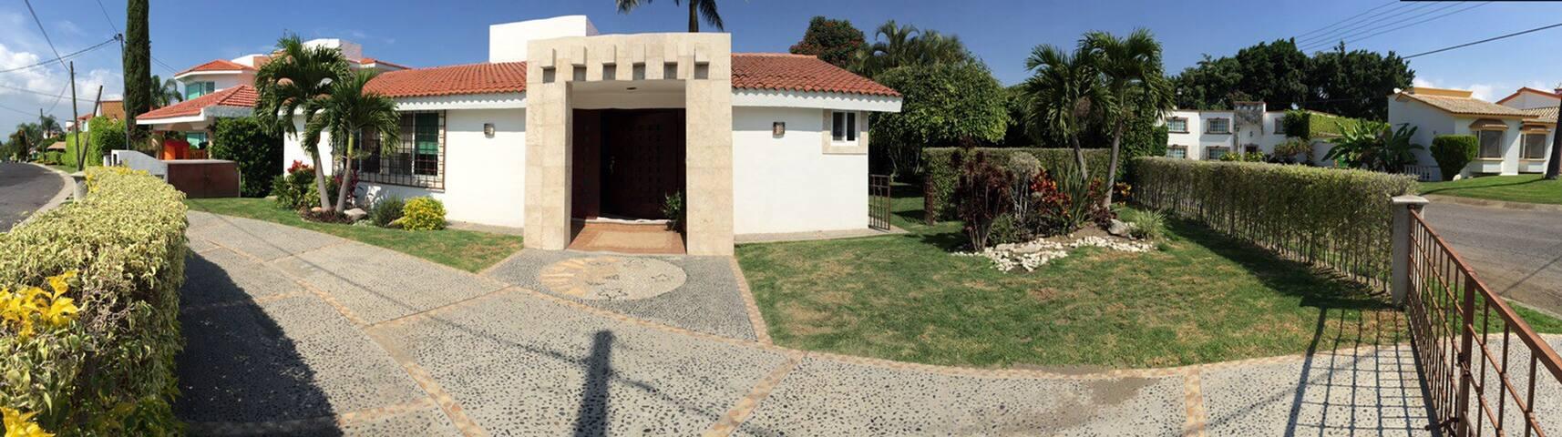 La Casa ideal fines de semana en Lomas de Cocoyoc! - Oaxtepec - Dom