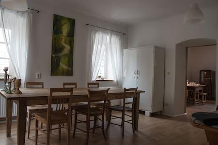 Altes Bauernhaus im hist. Dorfkern - Mauthen - Hus