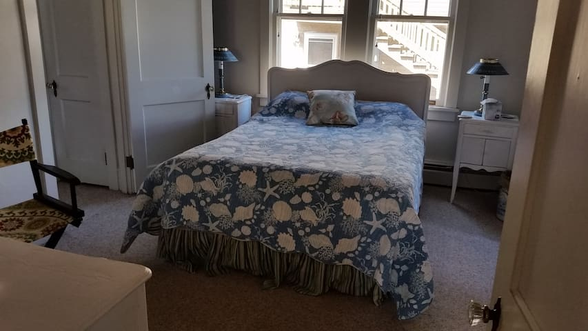 1 Queen-Bed Private Room in Beach-view Bungalow - Cape May - Hus
