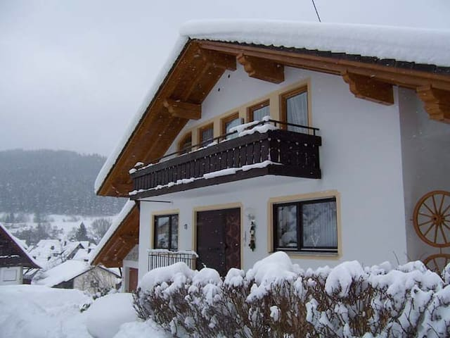 Unser Haus im Winter - our house in winter