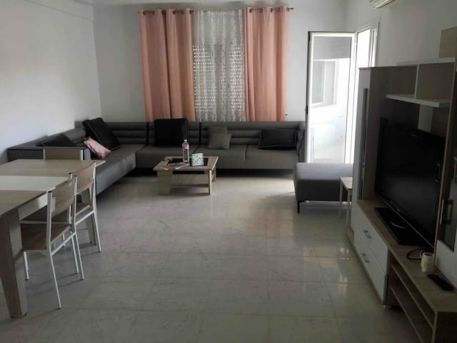Haut standing new apartment 10 minutes airport.