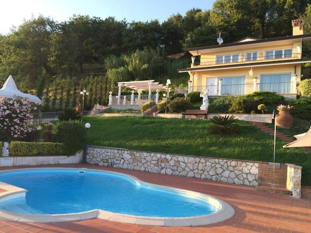 Villa Sophia, Pool and relax in Tuscany