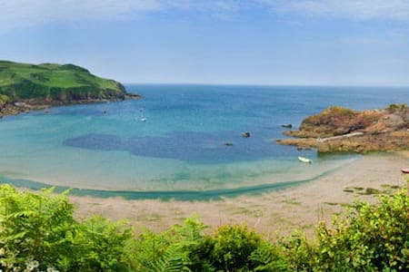 """The Piggery"" - sleeps 6 - Hope Cove, South Devon - Devon - Haus"