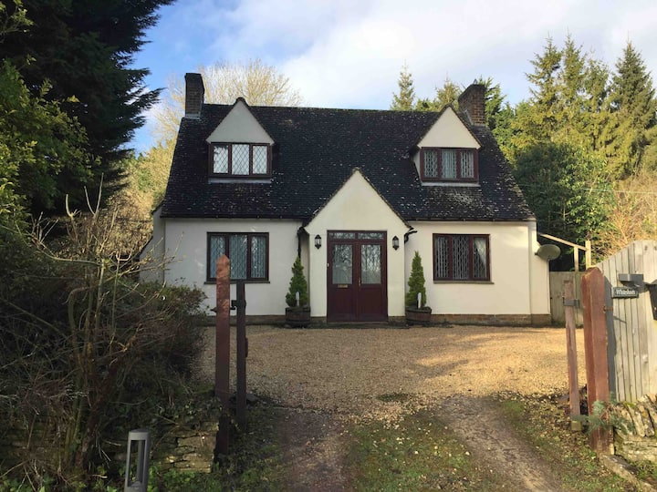 Whiteshoots self catering cottage
