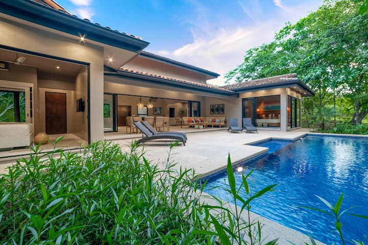 A Gem of Tropical Luxury Close to The Beach in an Amazing Gated Community!