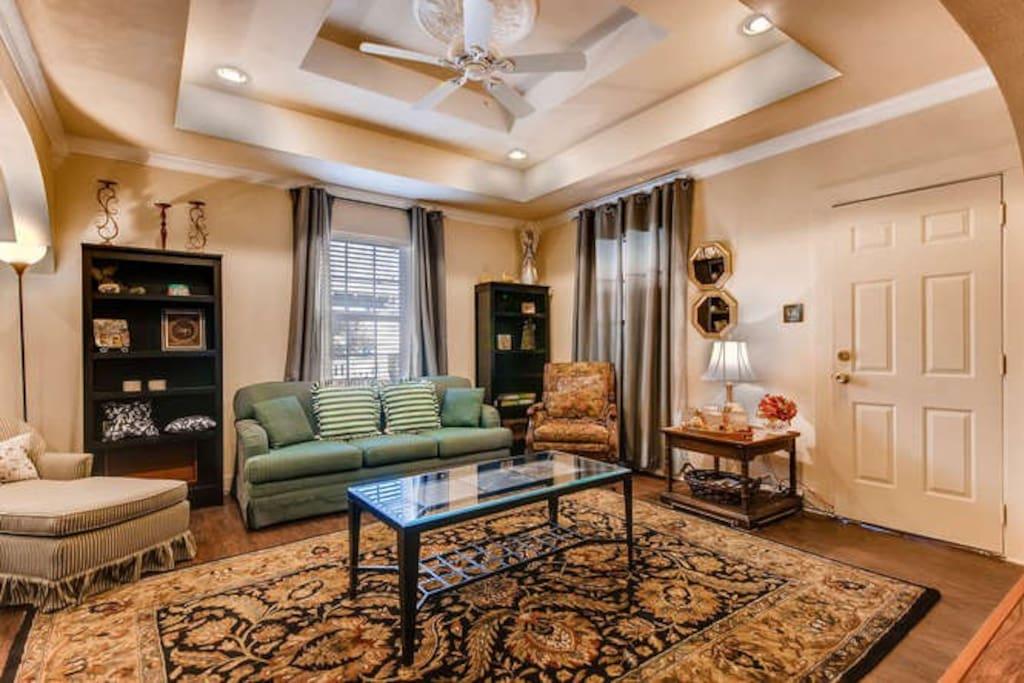 Living Room TV Netflix, Hulu and Amazon Prime