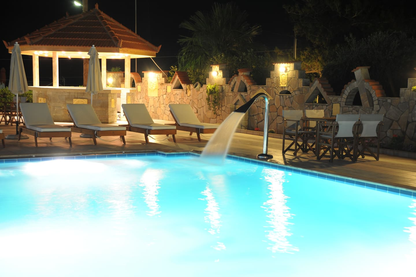 night pool and bar view
