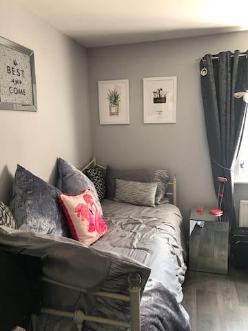 Single room in lovely house