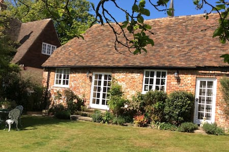Grade II Listed self-contained 1 bedroom annexe - Wingham - Haus