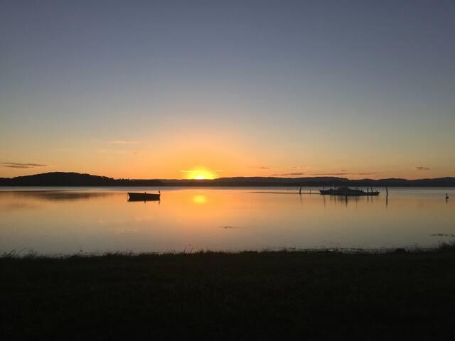 Getaway by the lake - Swansea - Casa