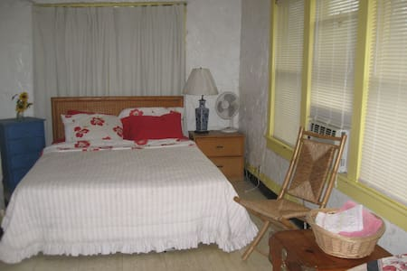 Pahokee, FL (aka small town USA) - Pahokee - House