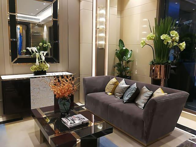爱琴海公寓  上海虹桥 会展中心 古北地区 两房一厅两卫 复式整套 有暖气 五星床品 可洗衣做饭