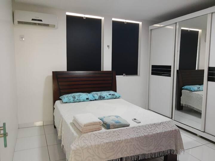 Apt de 3 quartos,  mobiliado no Centro de Goiânia