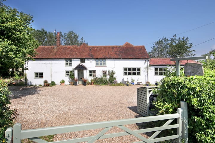 Country cottage in the Chilterns - secure parking - Stokenchurch - Huis