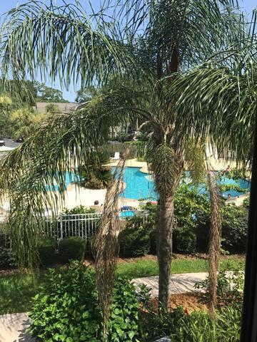 R6 Ocean Walk Resort, cozy, upgraded, very clean!