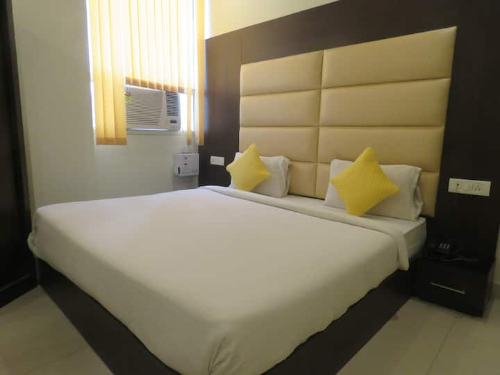 Hotel Resto Inn By Keymagics - Deluxe Room