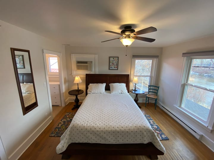 Goldsmith's AirBnb- Flathead Apartment- Room #4
