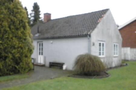 Sødt lille hus i Vojens - Vojens Municipality - Casa