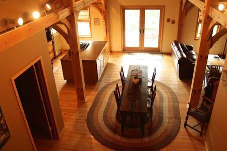 Bed & Wine, 2 Bedrooms