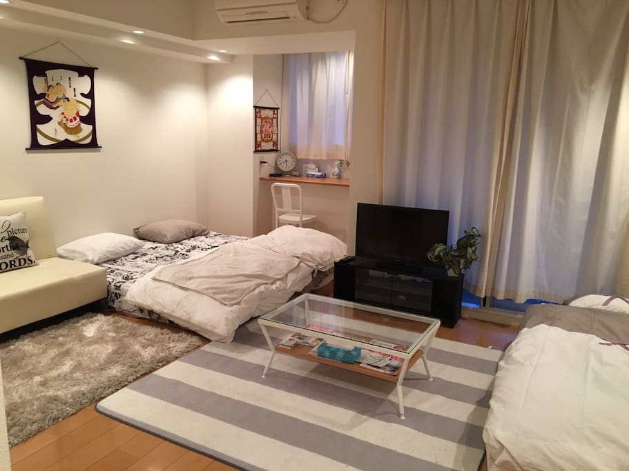 MAX 5P can stay 3 shingle beds 2 sofa beds 2futons No smoking Double lock Check in from3pm Check out    11am 220ppt Pocket speed wifi paid rental service(¥1000/day) Luggage Storage Service(1Luggage Price/2hour ¥1000) Clean Up Room Service(¥7000) ★The bath is already repaired!  最大5名様ステイ シングルベッド3 ソファベッド2 布団2セット 禁煙 2重ロック チェックイン15時〜 チェックアウト11時 ポケットWIFIレンタルサービス(¥1000/day) 荷物預かりサービス/1個の荷物価格 (2hour ¥1000) 滞在中お掃除サービス(¥7000税込) ★お風呂の修理完了しております
