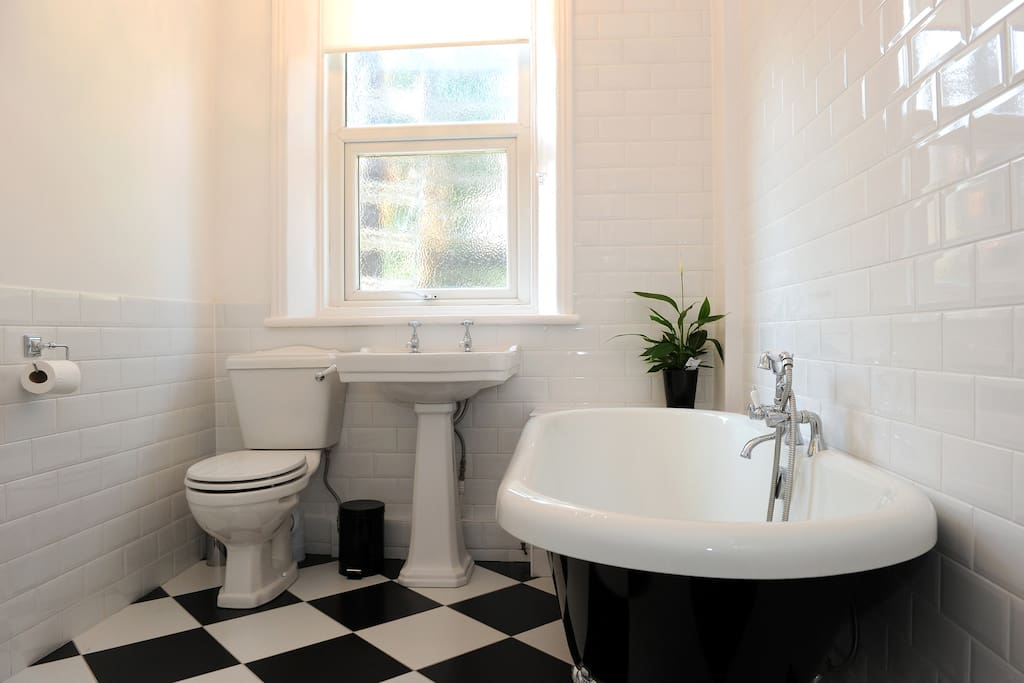 Newly installed Victorian Style Bathroom