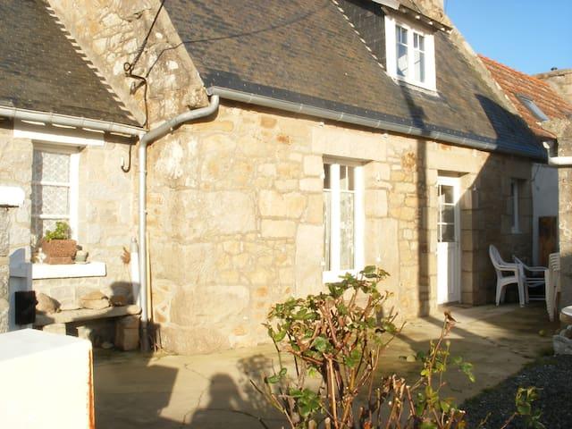 Maison de pêcheur sur île bretonne - Pleumeur-Bodou - Haus