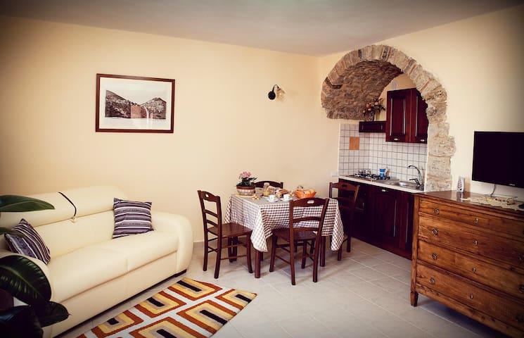 "Casa Vacanza ""La Rosa"" - San Fele - House"