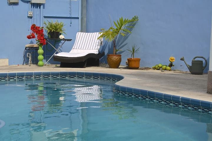 Spacious 3/2 House/Pool/WiFi - West Park - Casa