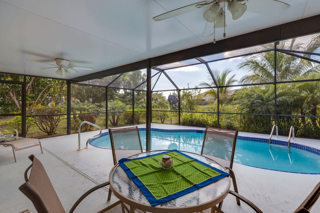 You can have a breakfast by the pool and enjoy the scenery and intimacy provided by the garden.