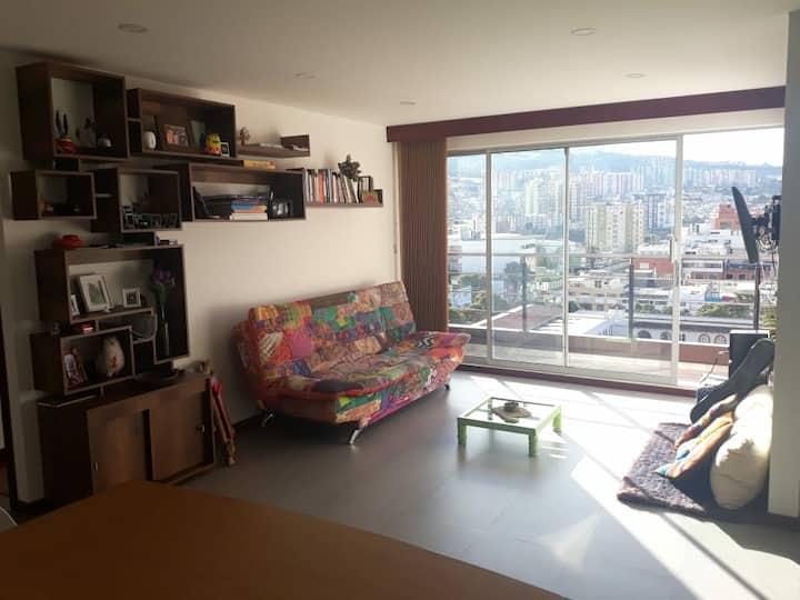 Habitación en apartamento lindo y central