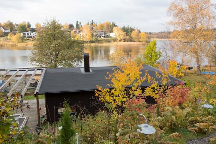 Unikt hus vid sjön Drevviken, vid vattnet 2 gäster