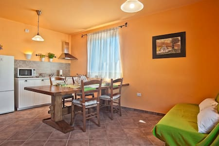 "B & B Toca` la Louna, camera ""Busco"". - Vodnjan - Bed & Breakfast"
