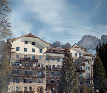 Dolomites: charming Karersee! - Carezza