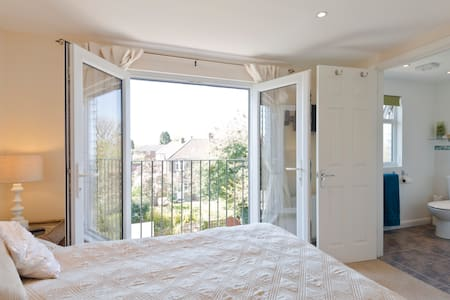 Beautiful studio loft room ensuite - Twickenham