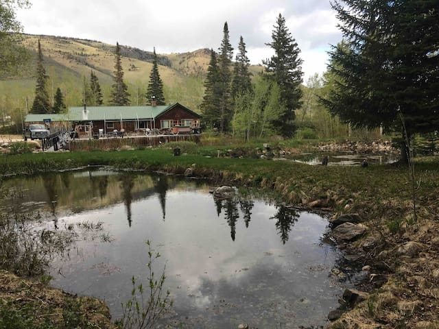 Grandpa's Cabin w/ Hot Tub and Mountain Rivers