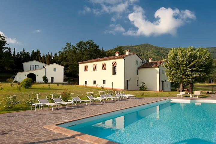 Amazing apt in Tuscan farmhouse - Montemurlo - Huoneisto